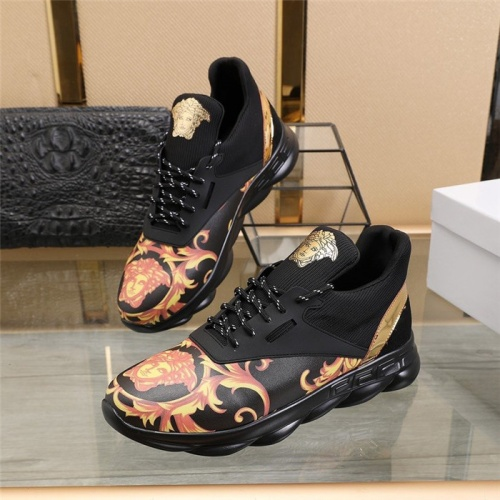 Versace Casual Shoes For Men #811135
