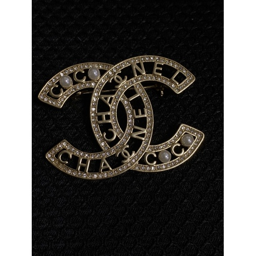 Chanel Brooches #811178