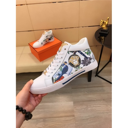 Replica Versace Casual Shoes For Men #811679 $80.00 USD for Wholesale