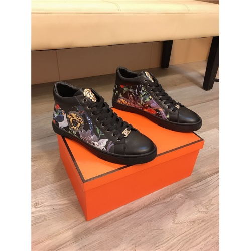 Versace Casual Shoes For Men #811680