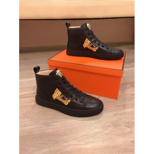 Versace High Tops Shoes For Men #811681
