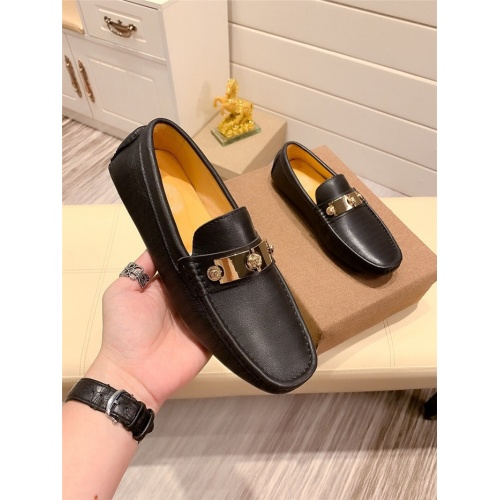 Versace Casual Shoes For Men #811702