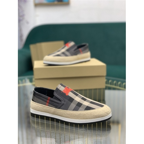 Burberry Casual Shoes For Men #811709