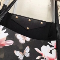 $160.00 USD Givenchy AAA Quality Handbags For Women #806905