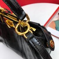 $140.00 USD Fendi AAA Messenger Bags In 33*26*14cm For Women #809969