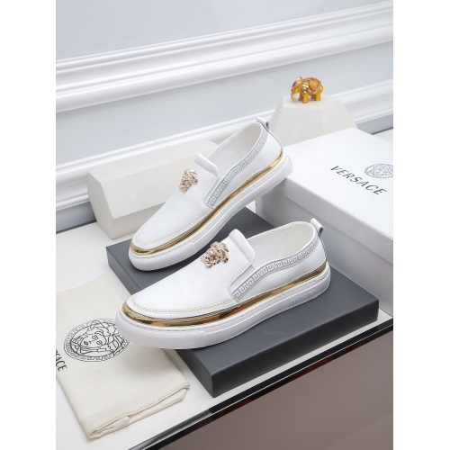Versace Casual Shoes For Men #811922