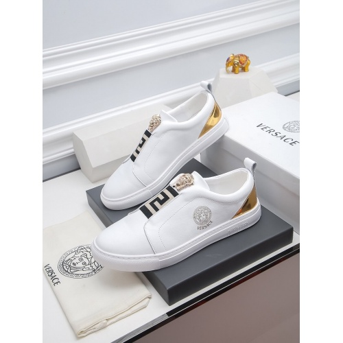 Versace Casual Shoes For Men #811923
