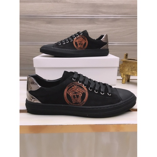 Versace Casual Shoes For Men #812056