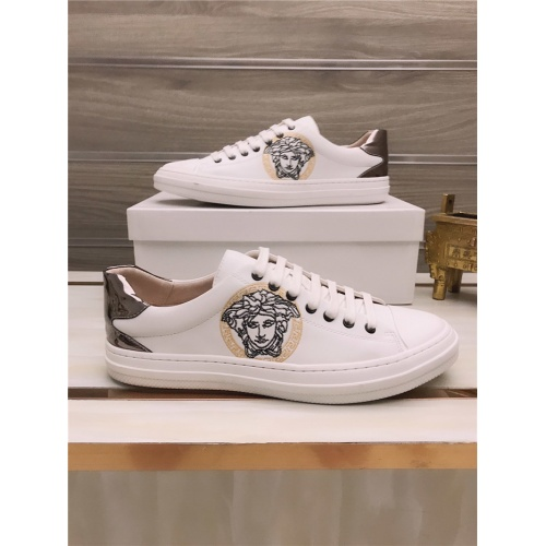 Versace Casual Shoes For Men #812057