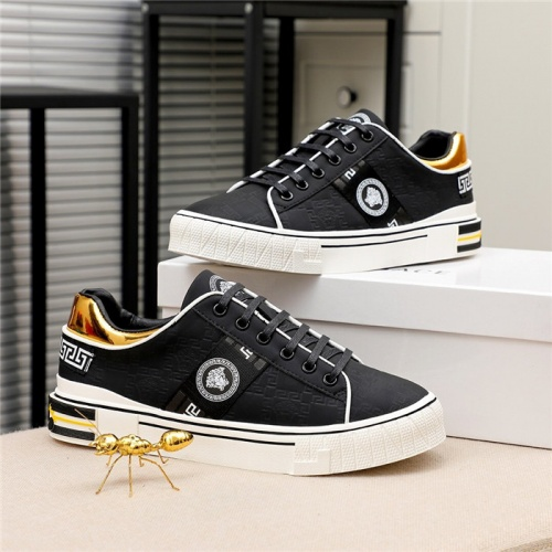 Versace Casual Shoes For Men #812059