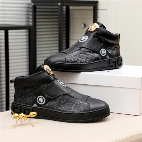 Versace High Tops Shoes For Men #812080