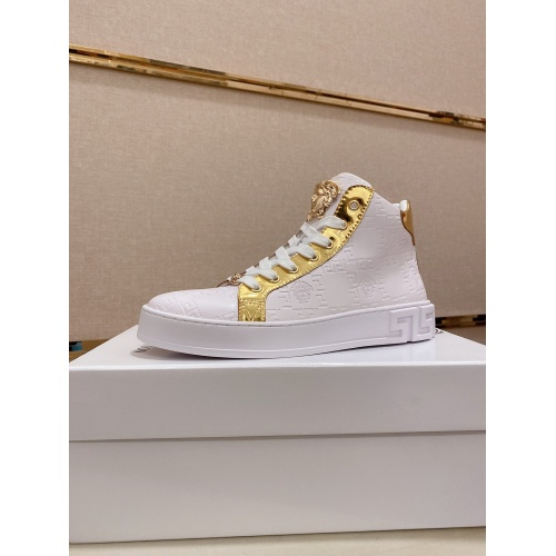 Versace High Tops Shoes For Men #812375