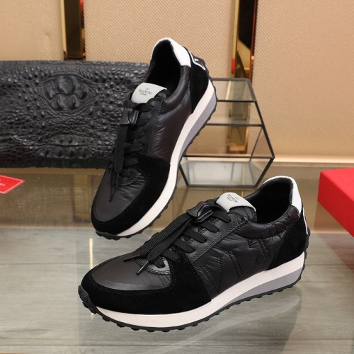 Valentino Casual Shoes For Men #812423