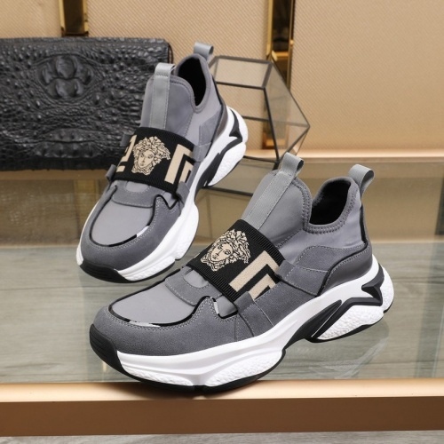 Versace Casual Shoes For Men #812434