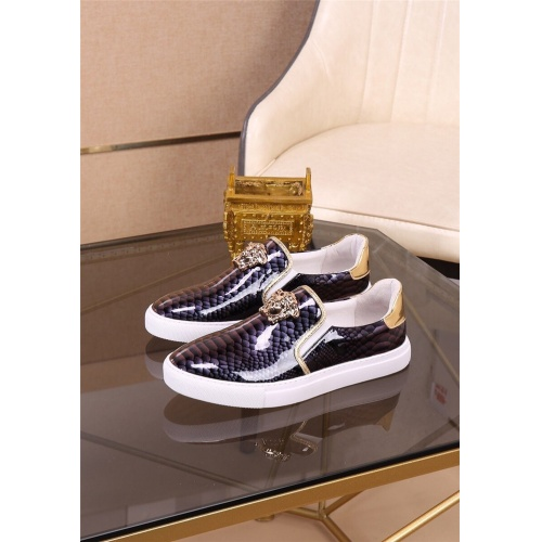 Versace Casual Shoes For Men #812527
