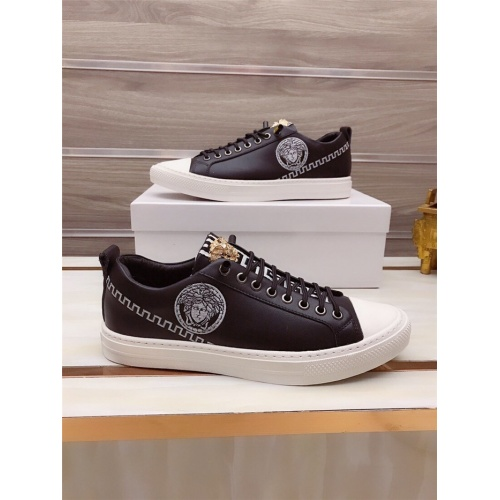 Versace Casual Shoes For Men #812531