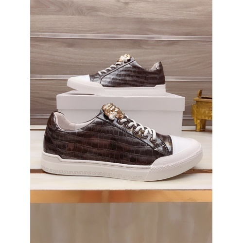 Versace Casual Shoes For Men #812532
