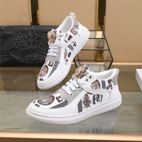 Versace Casual Shoes For Men #812629