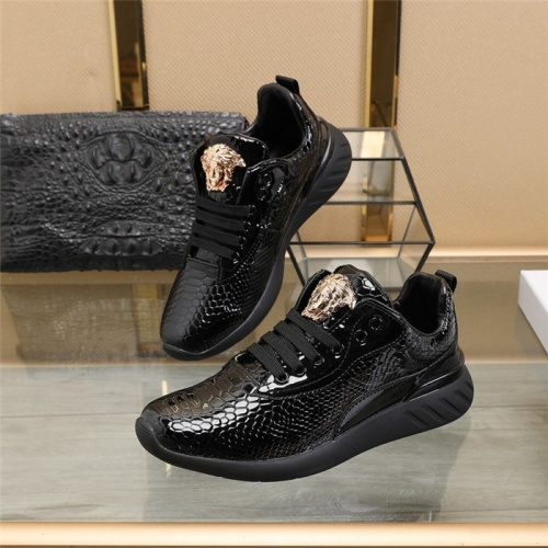 Versace Casual Shoes For Men #812631