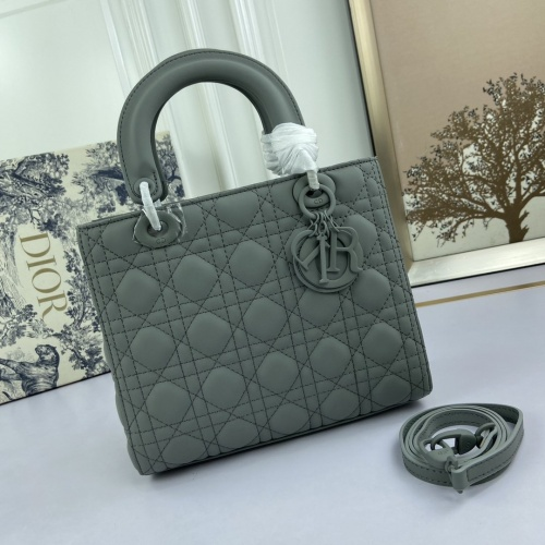 Christian Dior AAA Quality Messenger Bags For Women #812695