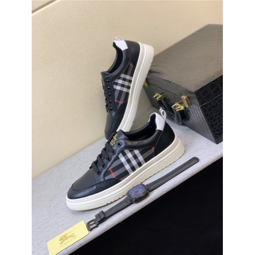 Burberry Casual Shoes For Men #813036