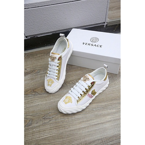 Versace Casual Shoes For Men #813278