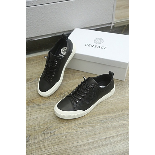 Versace Casual Shoes For Men #813279