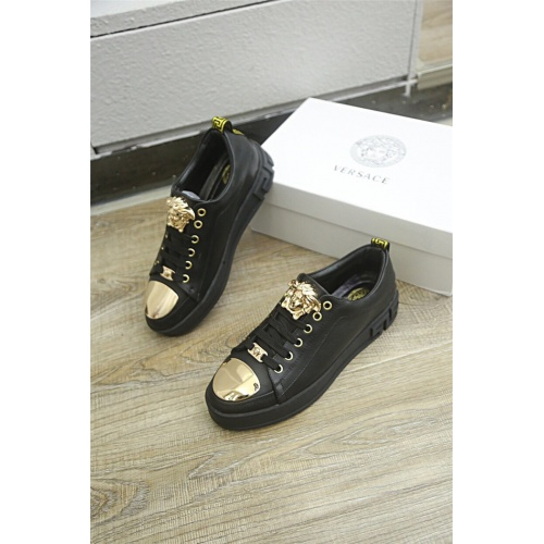 Versace Casual Shoes For Men #813282