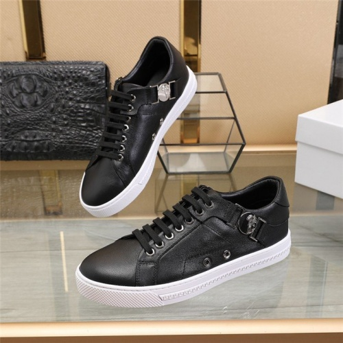 Versace Casual Shoes For Men #813341