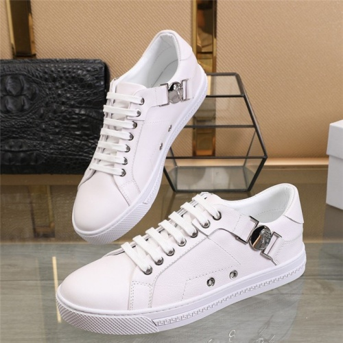 Versace Casual Shoes For Men #813342