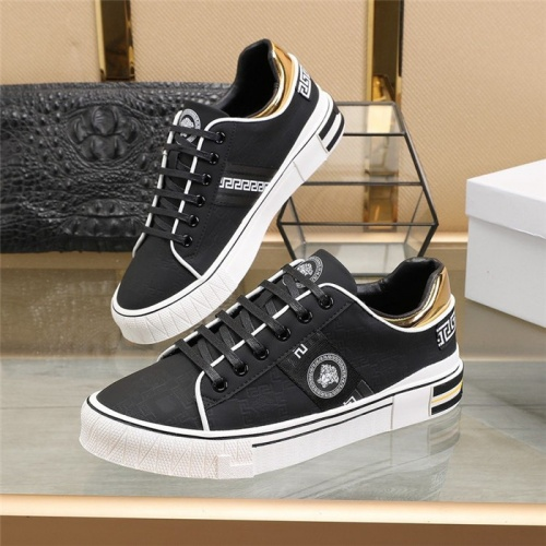 Versace Casual Shoes For Men #813343