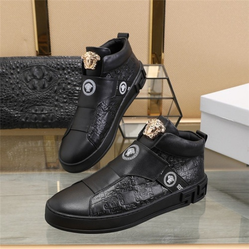 Versace High Tops Shoes For Men #813345