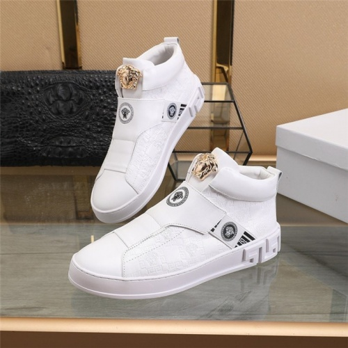 Versace High Tops Shoes For Men #813346