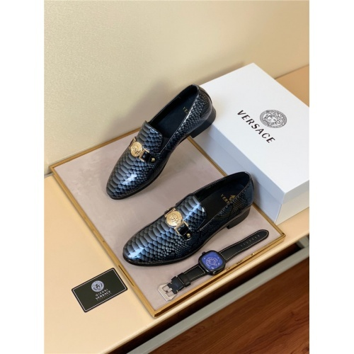 Versace Leather Shoes For Men #813586