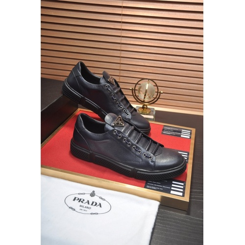 Prada Casual Shoes For Men #813651