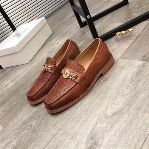 Versace Leather Shoes For Men #813658