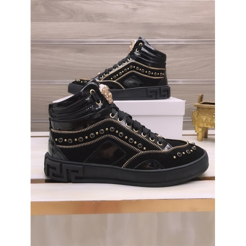 Versace High Tops Shoes For Men #813693