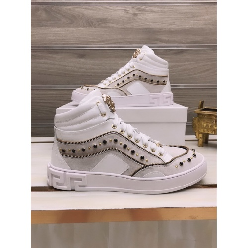 Versace High Tops Shoes For Men #813694