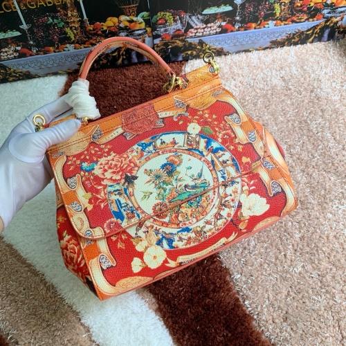Dolce & Gabbana D&G AAA Quality Messenger Bags For Women #813825