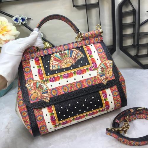 Dolce & Gabbana D&G AAA Quality Messenger Bags For Women #813829