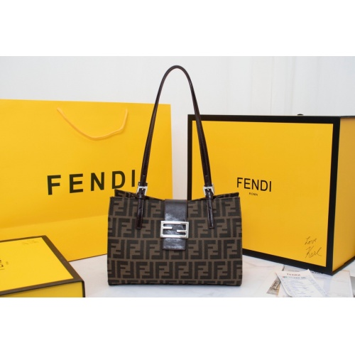 Fendi AAA Quality Handbags For Women #814009