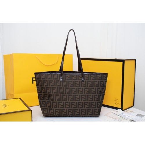 Fendi AAA Quality Handbags For Women #814010