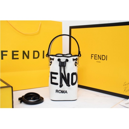 Fendi AAA Messenger Bags For Women #814014