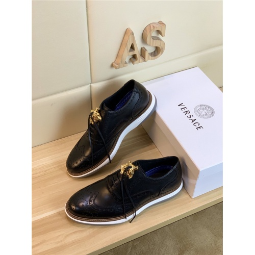 Versace Casual Shoes For Men #814056