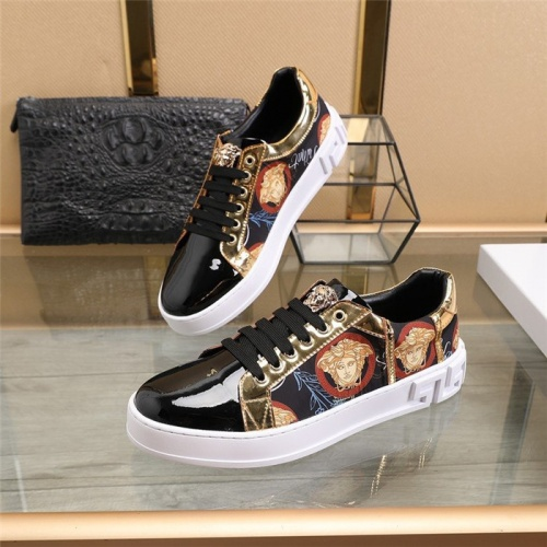 Versace Casual Shoes For Men #814071