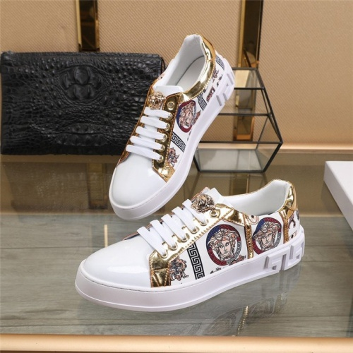 Versace Casual Shoes For Men #814072