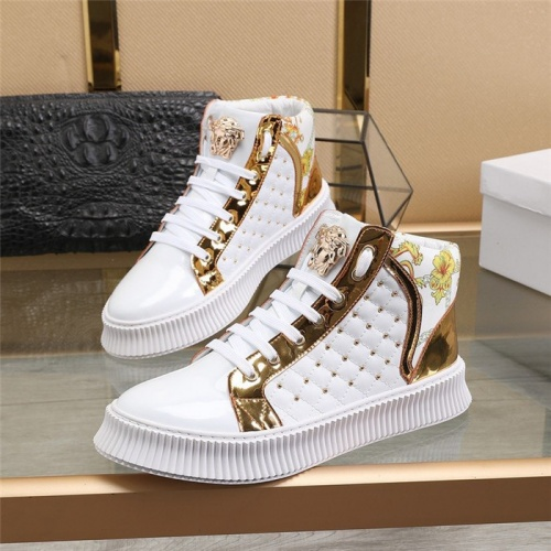 Versace High Tops Shoes For Men #814082