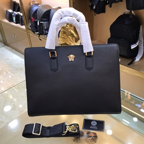 Versace AAA Man Handbags #814169