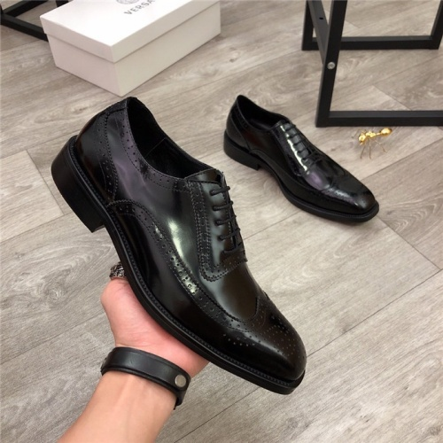 Versace Leather Shoes For Men #814274