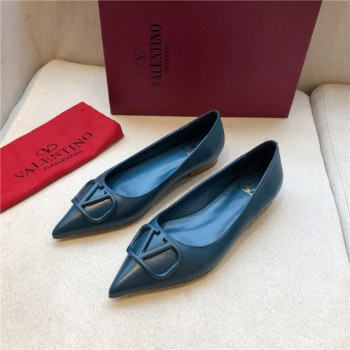 Valentino Flat Shoes For Women #814339